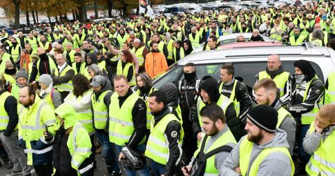 """Sobre as manifestações dos """"coletes amarelos"""" na França"""