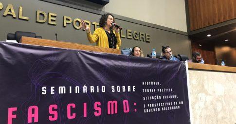 Luciana Genro em evento sobre a ascensão de partidos e políticos de extrema-direita no mundo - Foto: Samir Oliveira