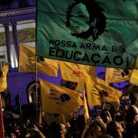 As ruas do Brasil e do mundo exigem saber quem mandou matar Marielle e Anderson