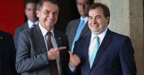 Jair Bolsonaro e Rodrigo Maia. Reprodução