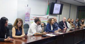Instalação da Frente teve a participação de autoridades e representantes de entidades de defesa da moradia | Foto: Celso Bender - Agência ALRS