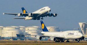 Modelos do Airbus A380 e do Boeing 747-8 da Lufthansa no aeroporto de Frankfurt - Reprodução.