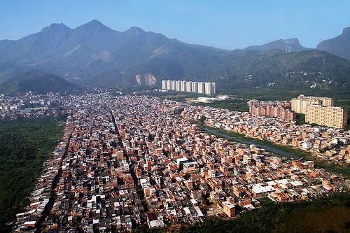 As fake news como gerenciamento de crise das milícias do Rio de Janeiro