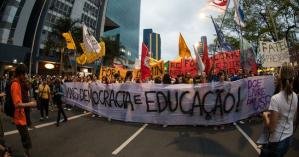 Ato pela educação em 2013. Crédito: DCE Livre da USP