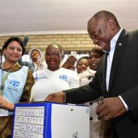 ANC vence, mas recua nas eleições sul-africanas