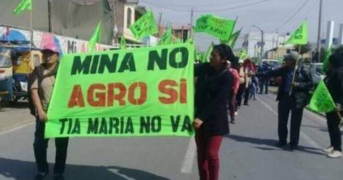 Arequipa rebelde, o Sul está contigo, o Peru te acompanha
