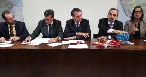 Live com Bolsonaro e Weintraub