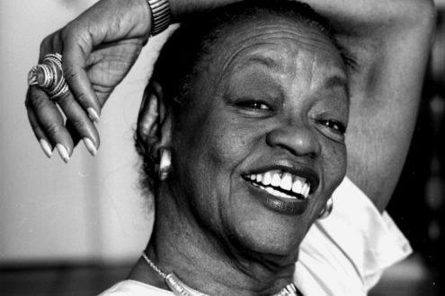 À Negritude da Dama Negra, a pioneira Ruth de Souza