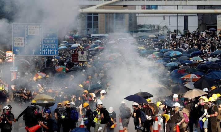 Para além do esquematismo: Hong Kong e a persistência da dialética