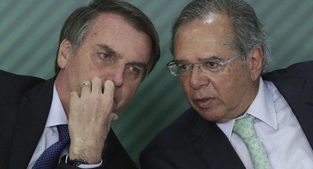 Para Bolsonaro, o inimigo é o trabalho
