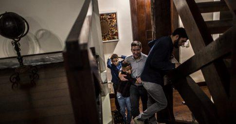 """""""A antítese de Bolsonaro"""": um casal gay enlouquece a extrema-direita brasileira"""