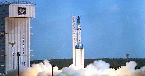 Lançamento do VLS-1 V02 em 1999 - Reprodução
