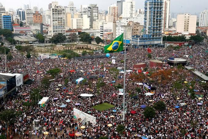 O falso nacionalismo de Bolsonaro e o 7 de setembro