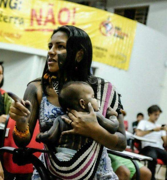 Ruralistas tentam agredir Juma Xipaya e Raoni Kaiapó em Altamira-Pará