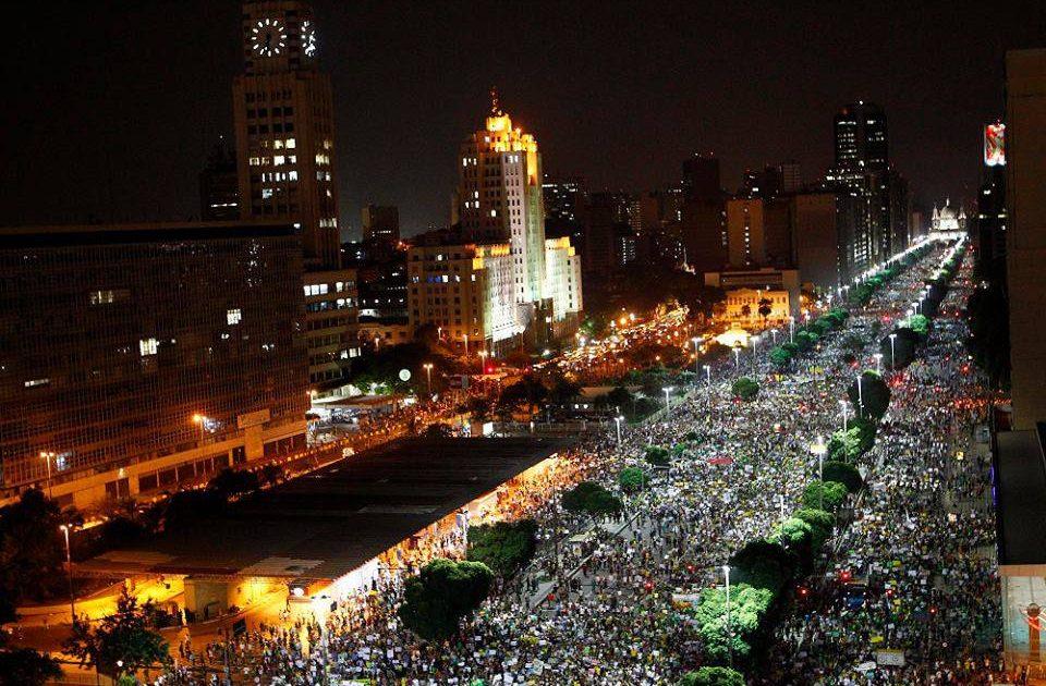 Levante juvenil e popular no Brasil: o povo venceu o primeiro round!