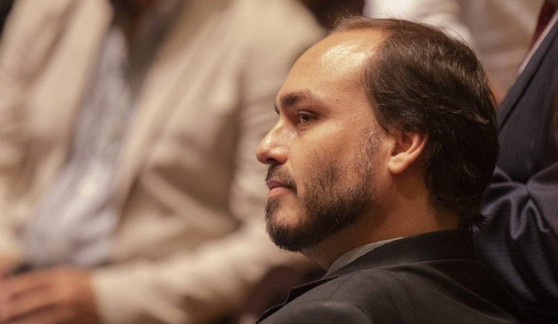 Carlos, uma suspeita e a banalidade do mal