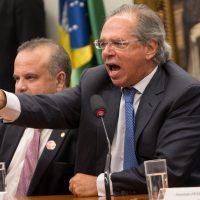 Os parasitas do governo Bolsonaro atacam o povo brasileiro