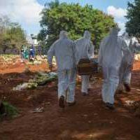 Sâmia Bomfim pede ao MP apuração das condições de trabalho dos agentes funerários de SP