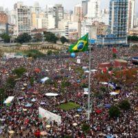 A esquerda em seu labirinto: considerações sobre o Brasil em crise
