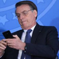 Em meio ao caos, reprovação de Bolsonaro se generaliza