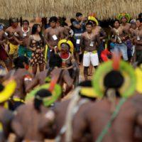 """Odiar o termo """"povos indígenas"""" é apagar a cultura e história de nossos povos"""