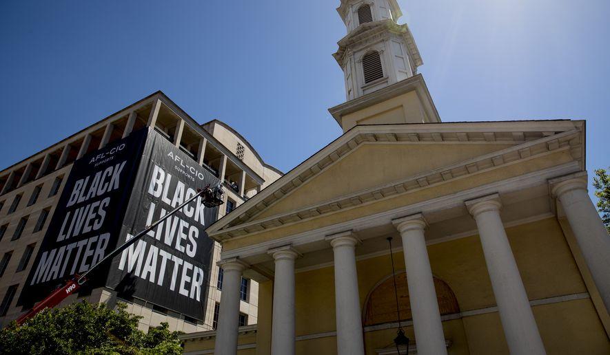 Rascunho inicial acerca do papel das religiões no desenvolvimento e nas singularidades da luta negra no Brasil e nos Estados Unidos