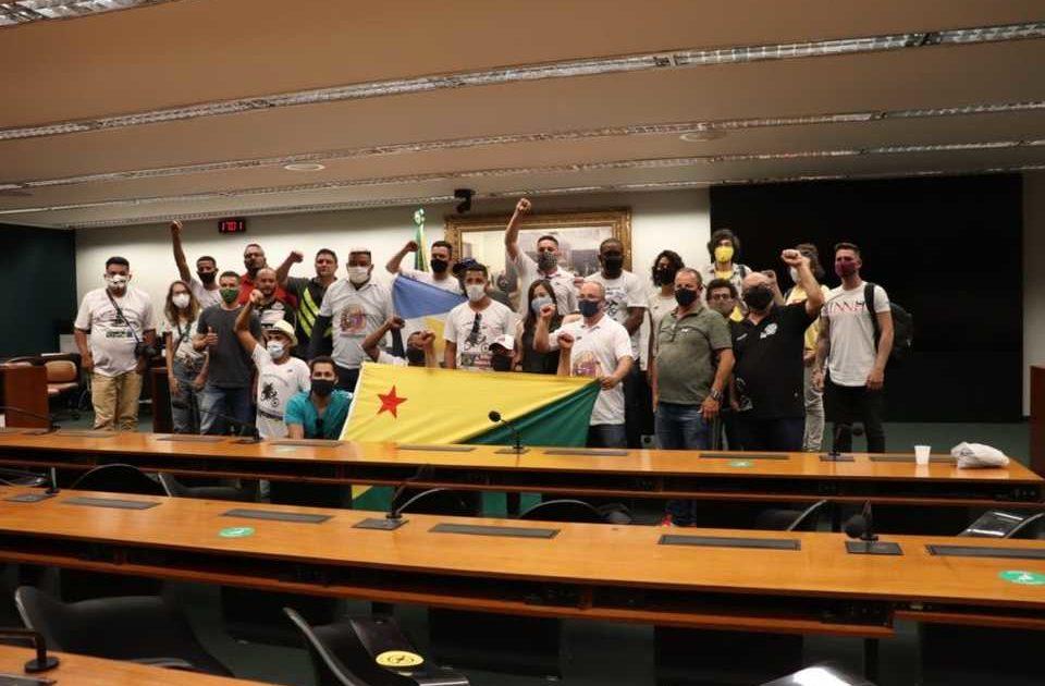 Organizados, entregadores de aplicativo vão a Brasília reivindicar aprovação do PL 1665