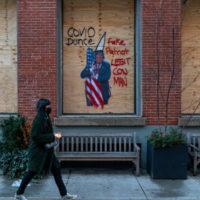 Para derrotar o fascismo na eleição estadunidense e além, é preciso reconhecer que se trata de uma resposta fracassada à crise capitalista