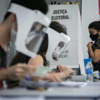 A propósito da questão sanitária: eleições, desinformação e vigilância