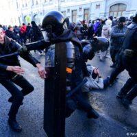 Parlamentares do PSOL se pronunciam contra repressão política na Rússia