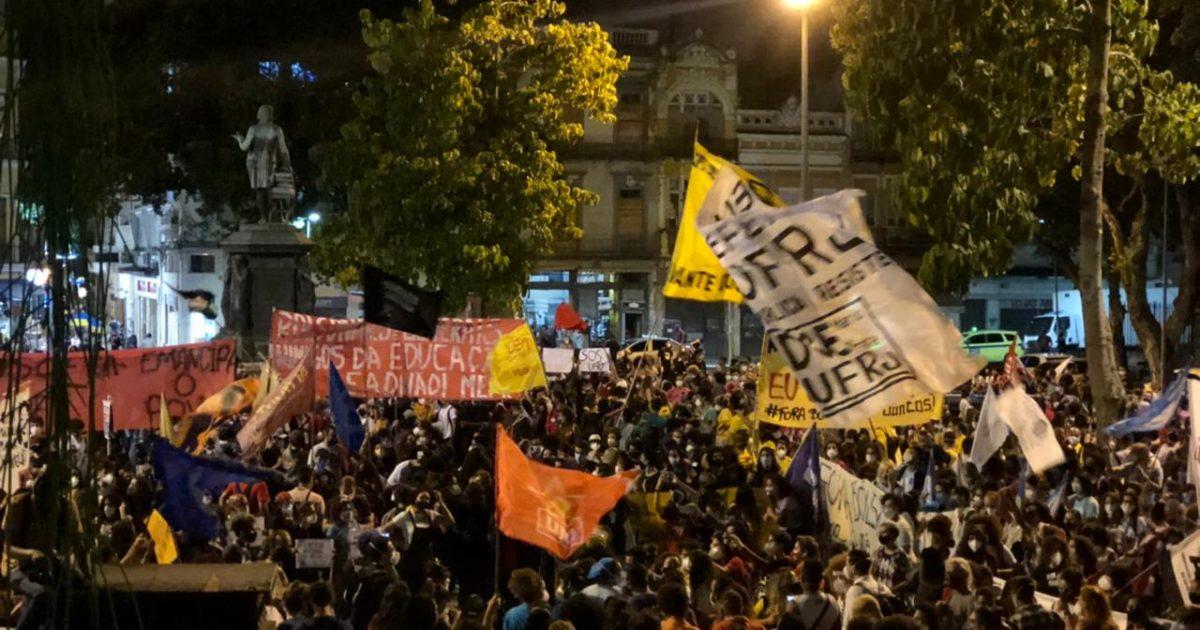 As duas tarefas do PSOL
