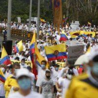 Nas ruas da Colômbia, América Latina enfrenta seus dilemas