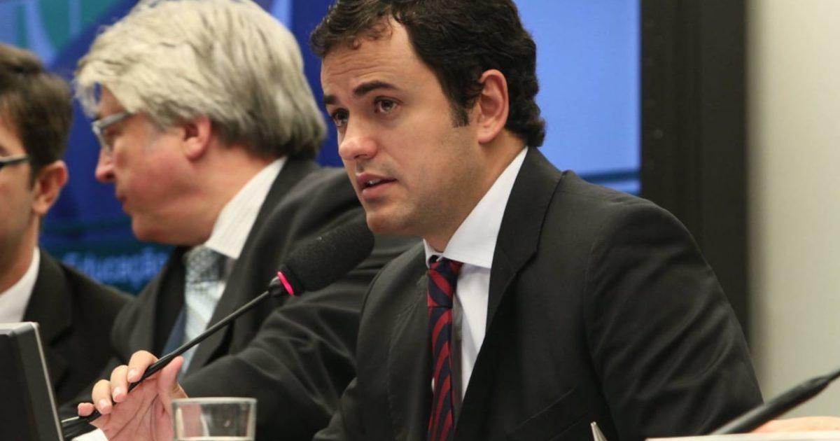 Glauber contra os delírios de um Brasil em transe