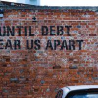 Para combater o aumento das desigualdades, devemos cancelar as dívidas e implementar um projeto socialista, feminista, ecológico, anticapitalista, antiracista, internacionalista e de autogestão