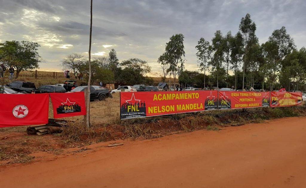 FNL ocupa novas terras no Pontal do Paranapanema em dia de visita de Bolsonaro à região