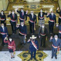 Novo gabinete, um giro perigoso: reafirmar o processo de mudança e a nova Constituição